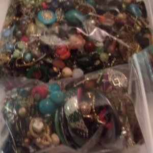CRAFTERS LOT @ 5LBS. FOR JEWELRY MAKING. V19